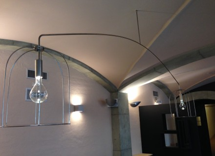Lampadario artigianale con struttura elettrificata - Ristorante IL POSTALE - Perugia