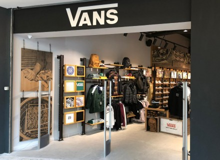Negozio VANS - Centro Commerciale EUROMA2